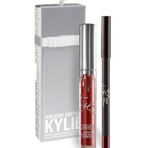 Kylie lip kit in Merry